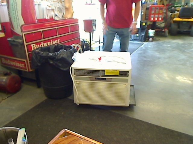 FRIGIDAIRE Air Conditioner FFRH1822Q2