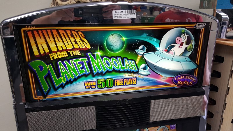 "WMS WILLIAMS VIDEO SLOT MACHINE ""Invaders from the Planet Moolah"""