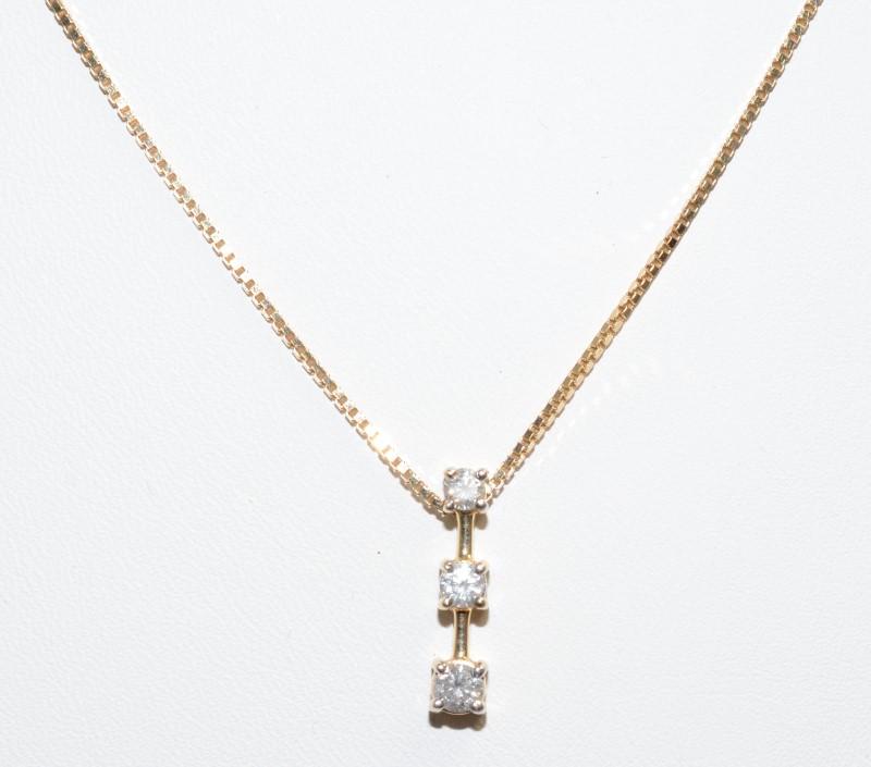 3 DIAMOND PENDANT 14K GOLD NECKLACE
