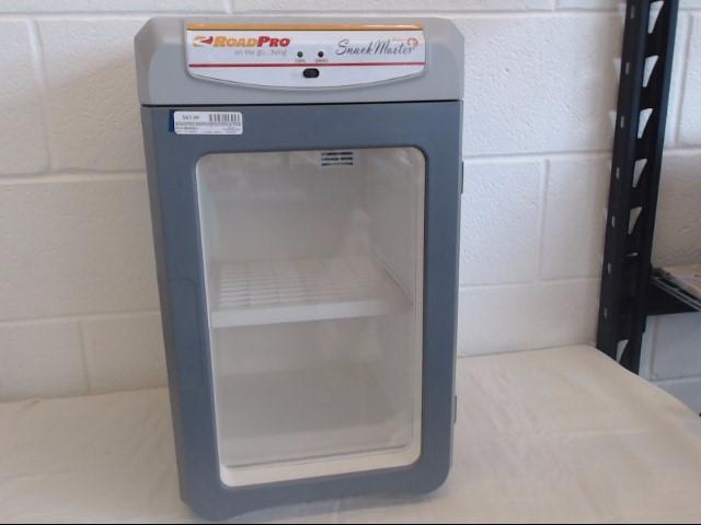 ROADPRO Refrigerator/Freezer SNACK MASTER