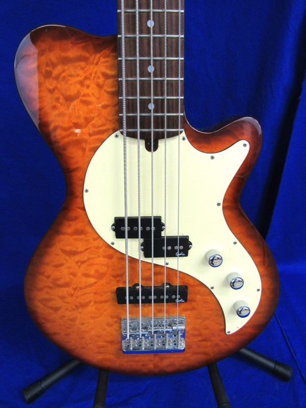 GODIN BASS GUITAR SD5
