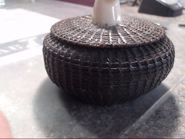 BALEEN BASKET WITH LID