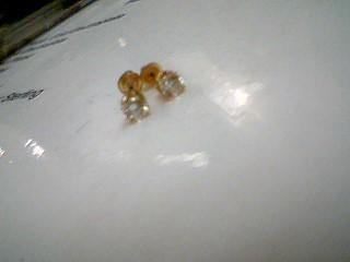 Gold-Diamond Earrings 2 Diamonds .20 Carat T.W. 10K Yellow Gold 0.5g