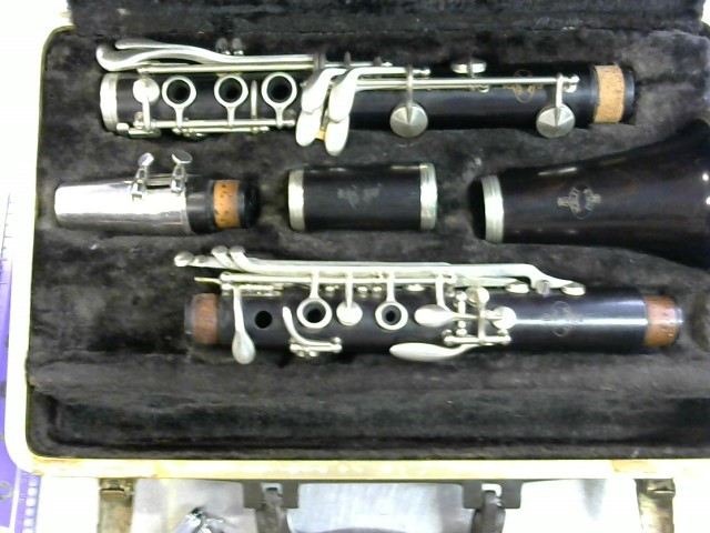 NOBLET Clarinet PARIS FRANCE B FLAT CONCERT PITCH