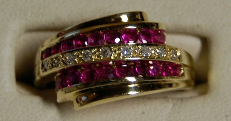 14K Yellow Gold Lady's Diamond & Ruby Ring 4.5G 1.08CTW Size 8.75