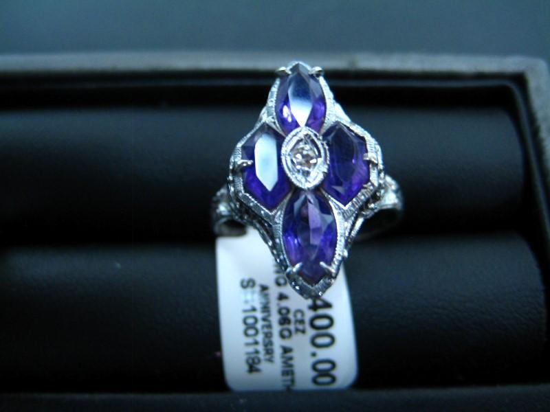 Lady's Gold Ring 14K White Gold 4.06g