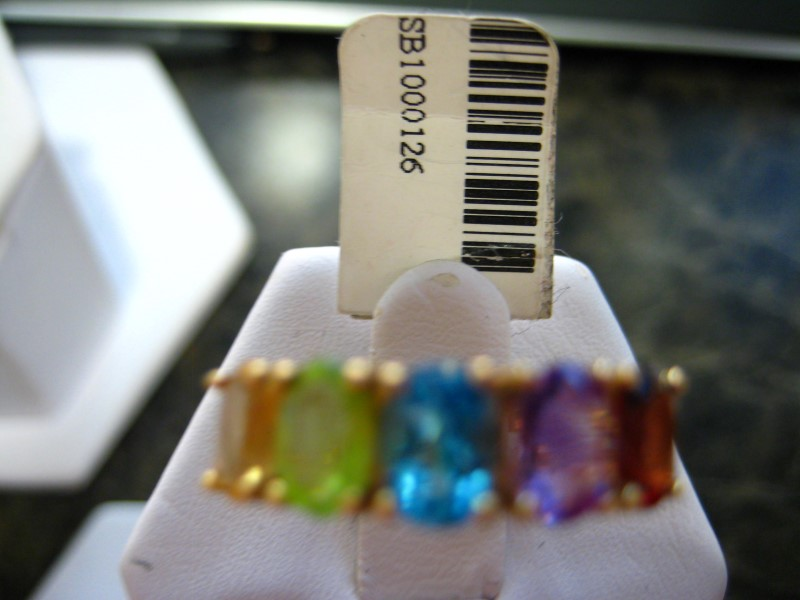 Synthetic Red Stone Lady's Stone Ring 14K Yellow Gold 3.2g