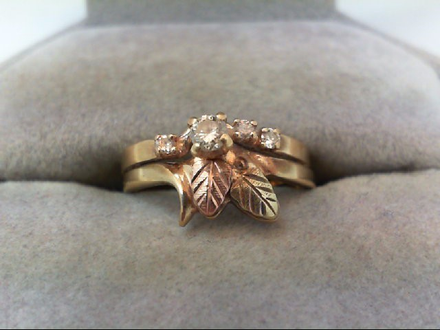 Lady's Diamond Wedding Set 4 Diamonds .16 Carat T.W. 10K Tri-color Gold 2.8g
