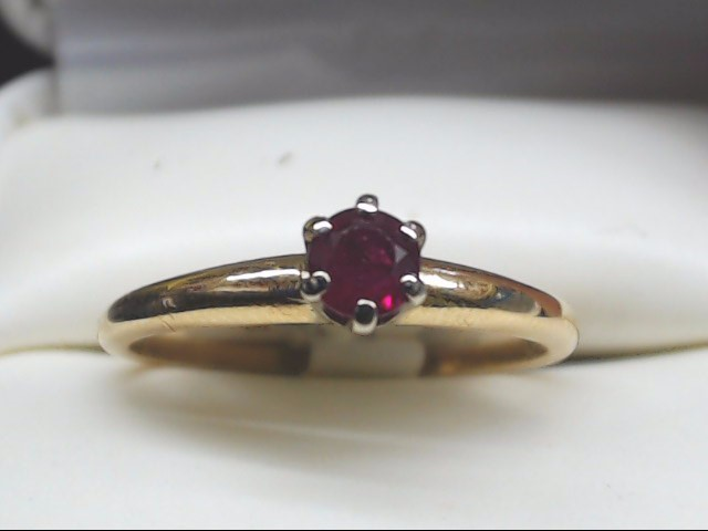 Red Stone Lady's Stone Ring 14K Yellow Gold 2g Size:7.5