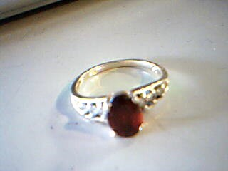 Red Stone Lady's Stone Ring 10K Yellow Gold 1.6g