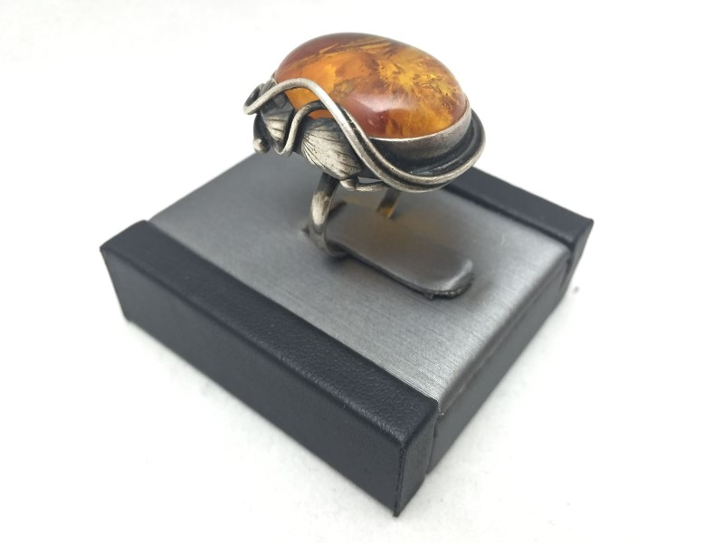 Synthetic Amber Lady's Silver & Stone Ring 925 Silver 6.4dwt Size:6