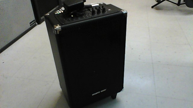 THE SHARPER IMAGE PORTABLE PA SYSTEM SBT1006