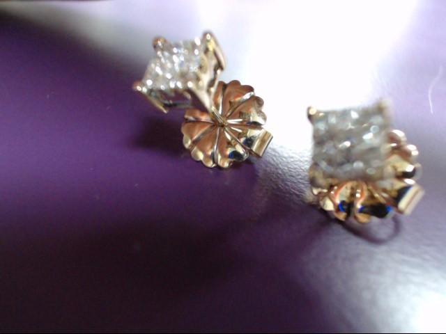 Gold-Diamond Earrings 18 Diamonds .18 Carat T.W. 14K Yellow Gold 2.4g