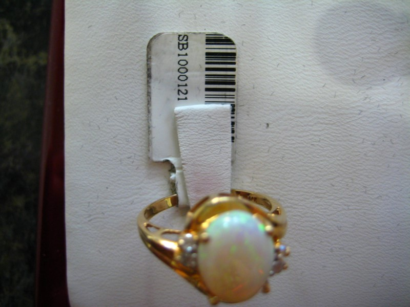Synthetic White Stone Lady's Stone Ring 14K Yellow Gold 3.2g
