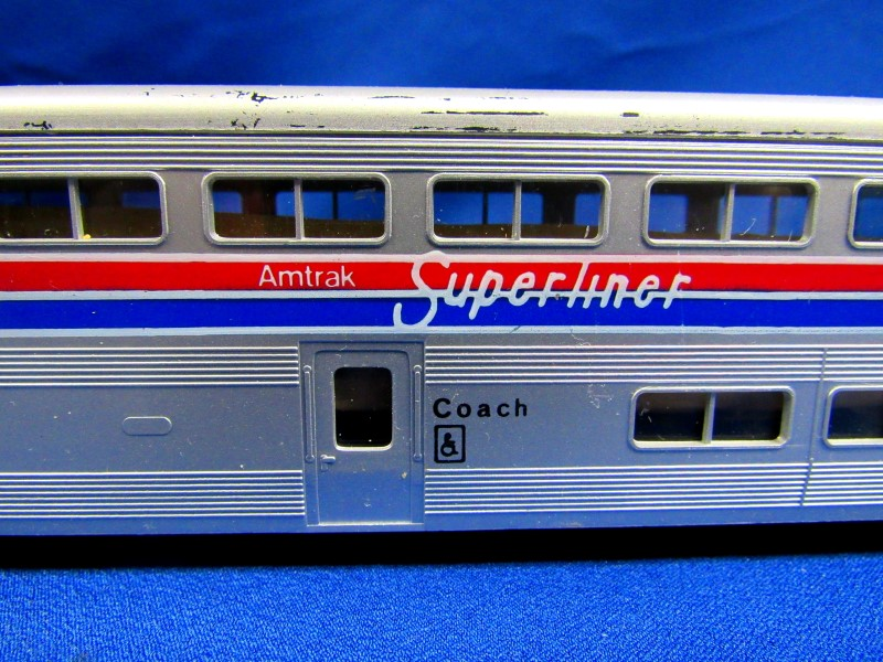 KATO TRAINS AMTRAK SUPERLINER COACH CAR
