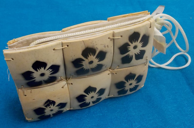 ACCESSORIES NEW MISC NEW MISC CANTIC BALI IMPORTS; SMALL ZIP PURSE