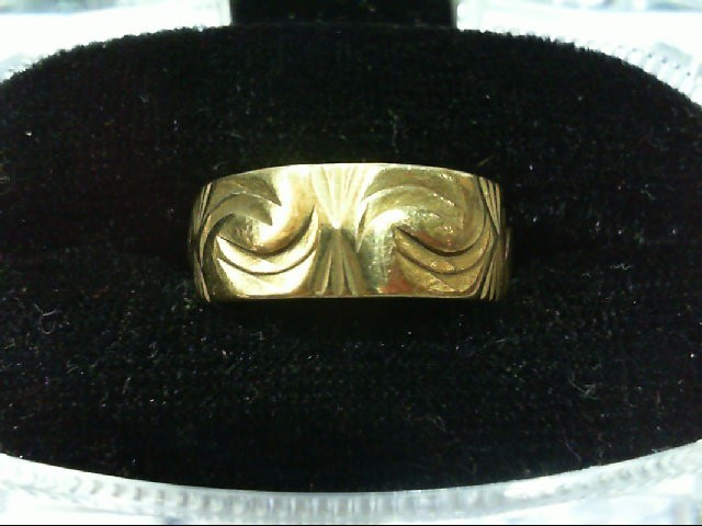 Lady's Gold Ring 10K Yellow Gold 4.1g