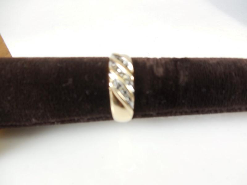 MEN'S 10KYG DIAMOND BAND APX.09C.T.W 3.1G SZ7.75