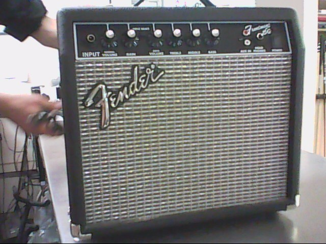 FENDER Electric Guitar Amp 15G