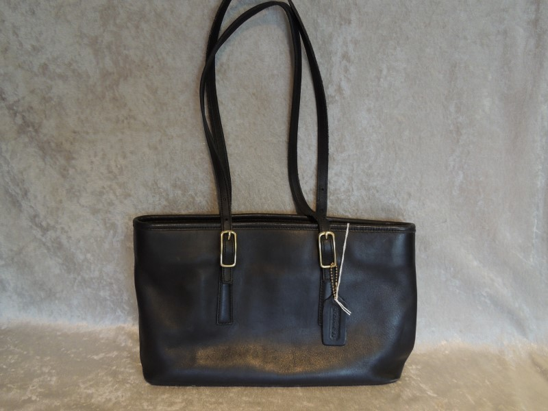 COACH BLACK LEATHER TOTE 9813