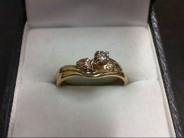Lady's Diamond Wedding Set 0.1 CT. 10K Tri-color Gold 2.8g