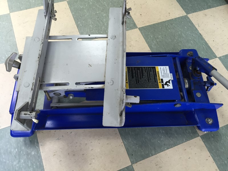 BLUE POINT FLOOR JACK YA876C 1/2 TON TRANSMISSION JACK