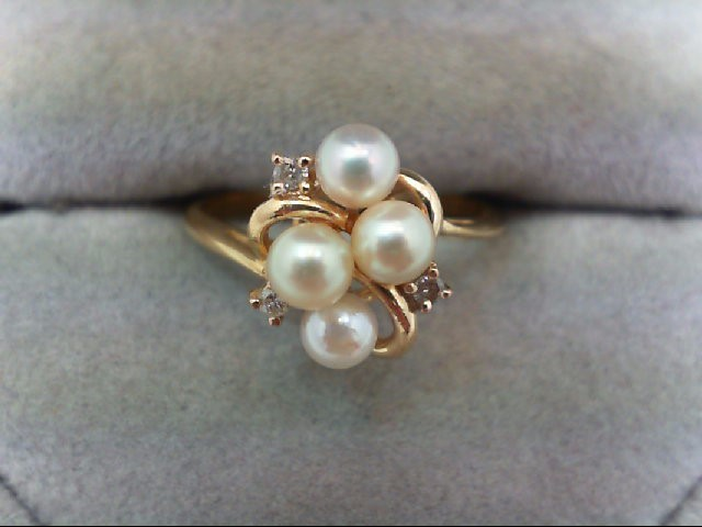 Pearl Lady's Stone & Diamond Ring 3 Diamonds 0.03 Carat T.W. 14K Yellow Gold 2.2