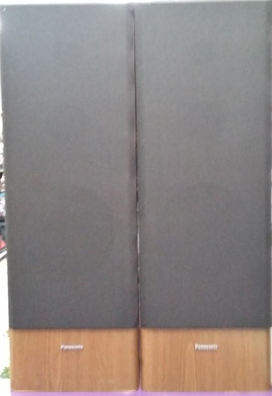 PANASONIC 3-way Tower Speakers Wood Grain Cabinet