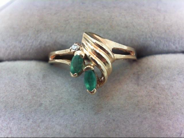 Emerald Lady's Stone & Diamond Ring .01 CT. 10K Yellow Gold 1.8g