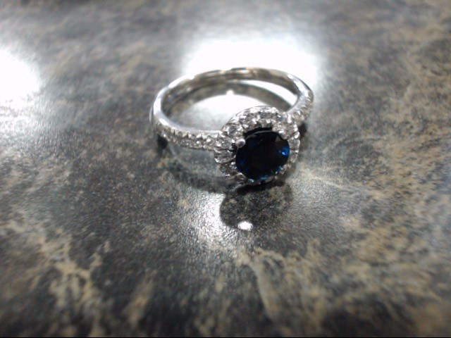 Lady's Gold Ring 14K White Gold 3.6g