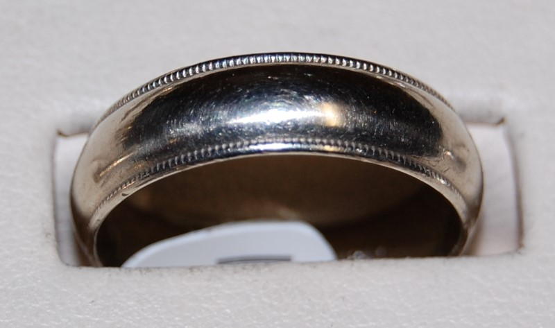 14K White Gold Gent's Wedding Band 6.0G Size 10