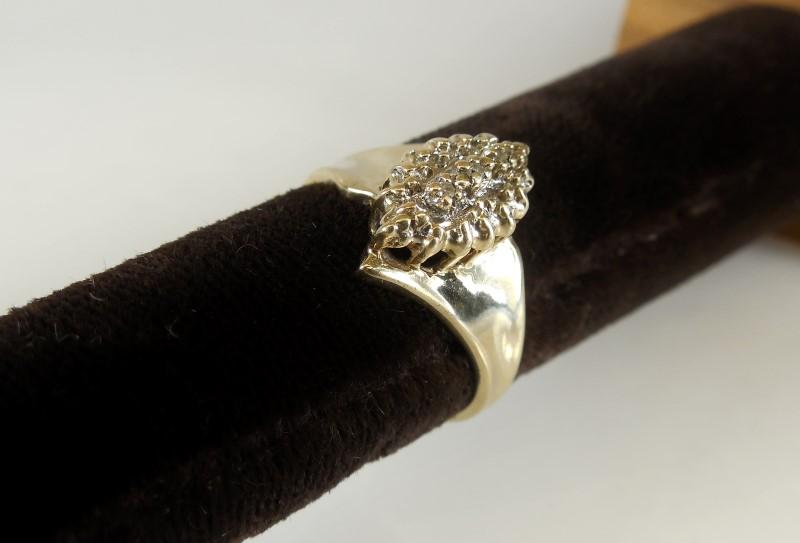 Lady's Diamond Cluster Ring 3 Diamonds .03 Carat T.W. 10K Yellow Gold 3.1g