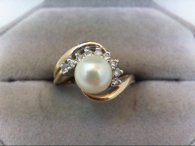 Lady's Diamond Fashion Ring 9 Diamonds .18 Carat T.W. 14K Yellow Gold 3.9g