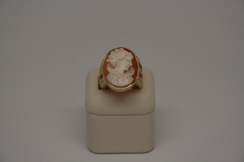 Cameo Lady's Stone & Diamond Ring 30 Diamonds .60 Carat T.W. 14K Yellow Gold