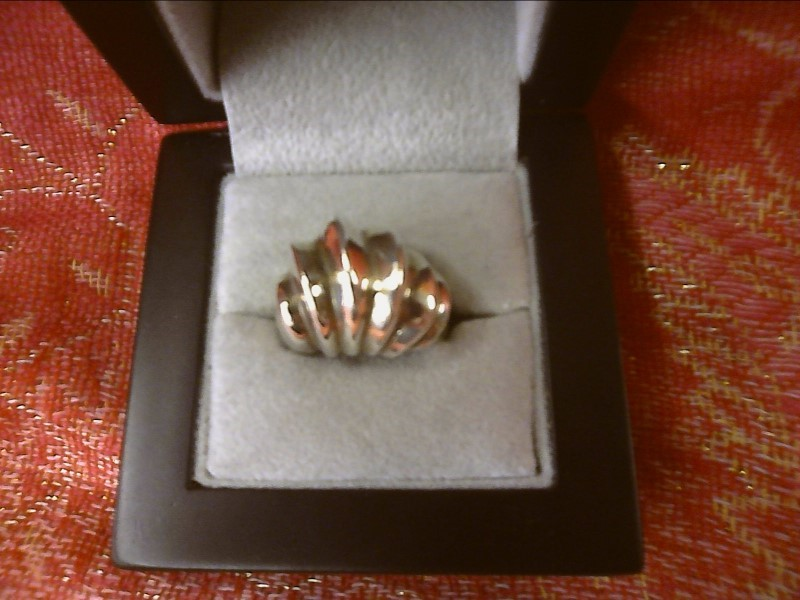 STERLING SILVER RING WITH LARGE WAVE DESIGN SIZE: 8