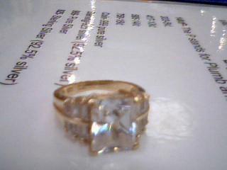 White Stone Lady's Stone Ring 10K Yellow Gold 4.8g