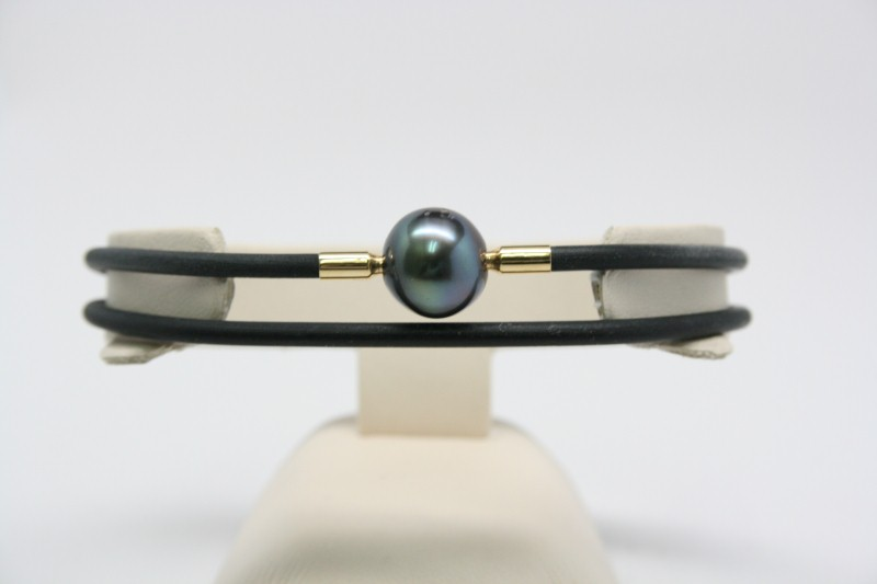 BLACK PEARL WITH SILICONE BRACELET