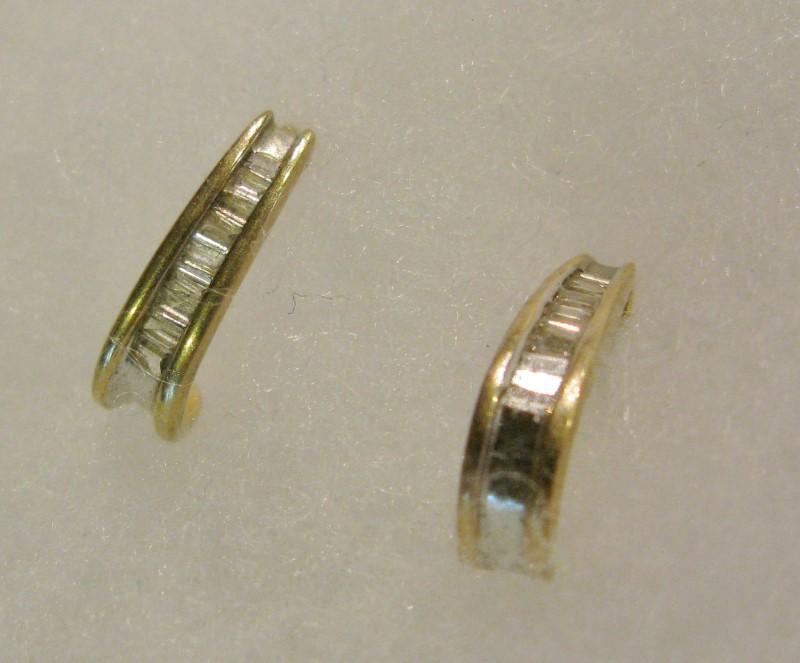 Gold-Diamond Earrings 20 Baguette Diamonds .20 Carat T.W. 10K Yellow Gold 0.8dwt