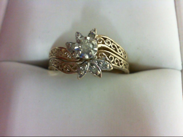 Lady's Diamond Wedding Set 7 Diamonds 0.11 Carat T.W. 10K Yellow Gold 3.5g