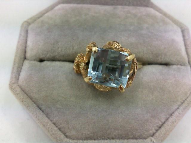 Blue Topaz Lady's Stone Ring 14K Yellow Gold 5.4g