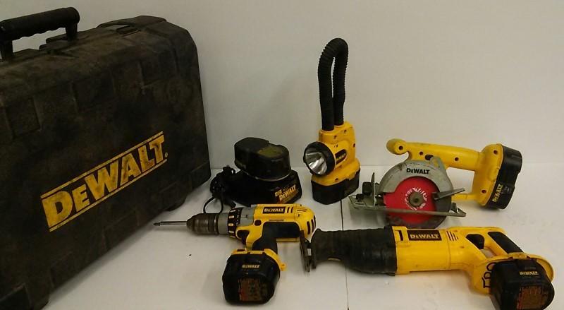 Dewalt Combination Tool Set DCK440X
