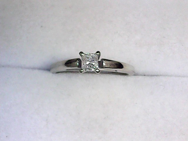 Lady's Diamond Solitaire Ring .20 CT. 14K White Gold 1.4dwt