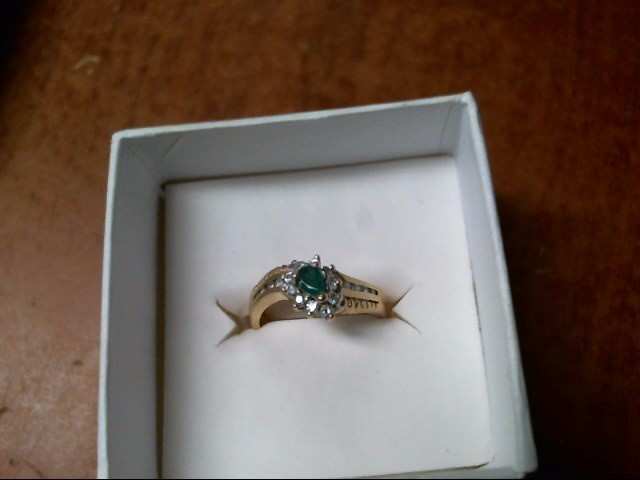 3.5G 14K YELLOW GOLD EMERALD DIAMOND RING