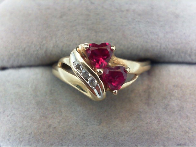 Red Stone Lady's Stone Ring 10K Yellow Gold 2.1g