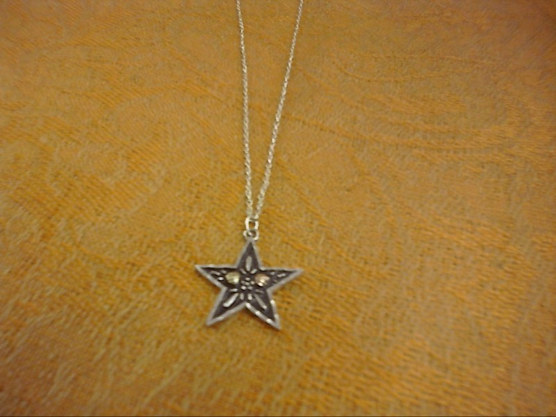 NECKLACE JEWELRY JEWELRY BLACK HILLS SILVER; SILVER CHAIN W/ STAR 2 LEAVES INSID