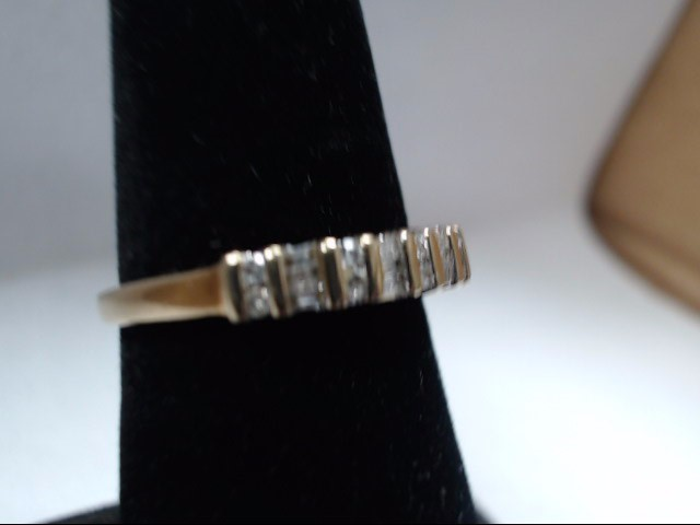 Lady's Diamond Wedding Band 22 Diamonds .32 Carat T.W. 10K Yellow Gold 2.2g