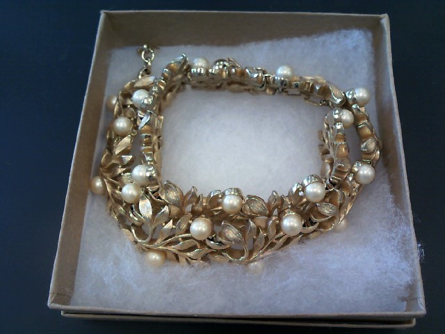Fashion Accessory COSTUME JEWELRY