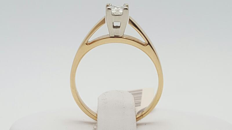 Lady's Diamond Solitaire Ring .30 CT. 14K Yellow Gold 3.3g