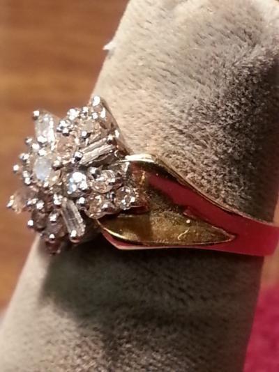 Lady's Diamond Cluster Ring 21 Diamonds .30 Carat T.W. 14K Yellow Gold 2.4dwt