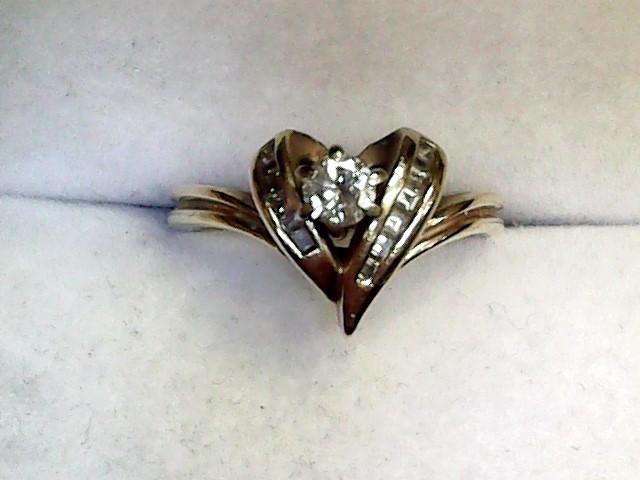 Lady's Diamond Fashion Ring 7 Diamonds .21 Carat T.W. 14K Yellow Gold 2.7dwt
